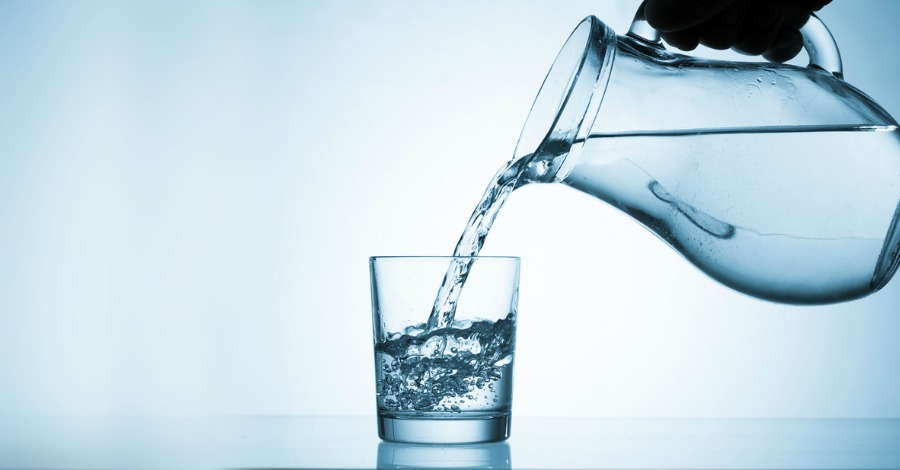 10 Things Happen When You Drink Only Water for 4 Weeks
